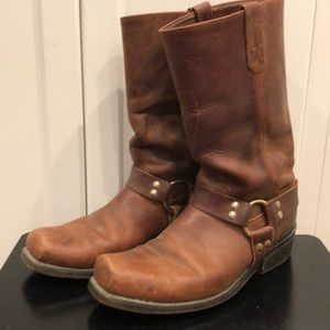 Harness brown leather boots